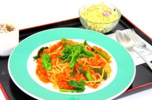 ズワイガニと菜の花のトマトソーススパゲッティー