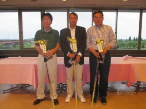 (左から)3位:原田様 優勝:中芝様 準優勝:和田様